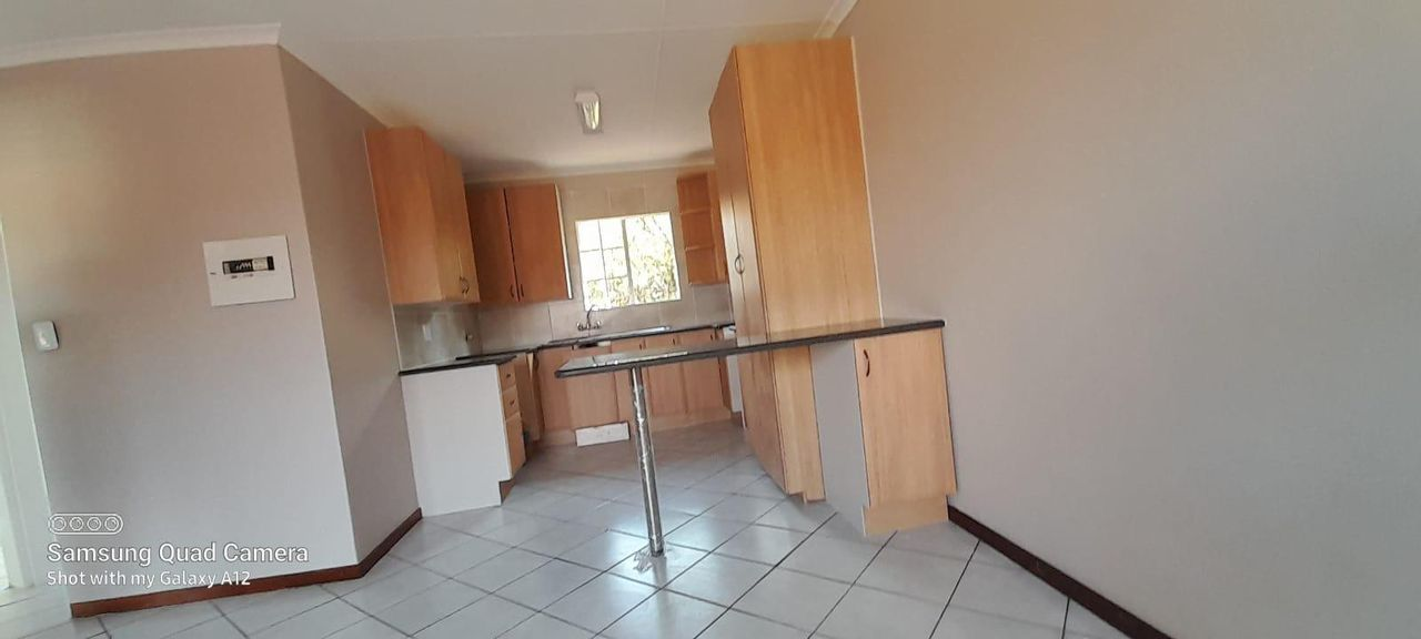 2 Bedroom Townhouse For Sale in Faerie Glen